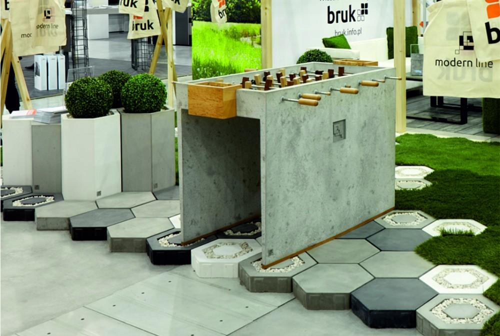 Piłkarzyki z betonu architektonicznego/Concrete table football