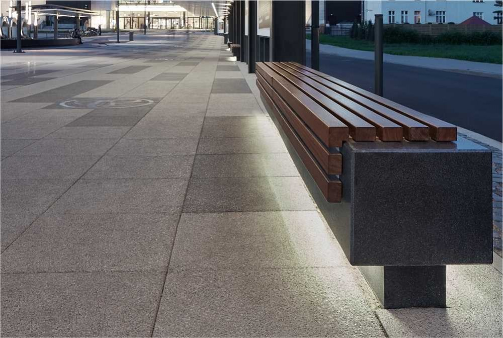 Ława z betonu architektonicznego z drewnem/ Concrete bench with wood